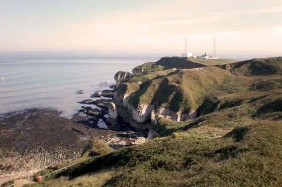 Flamborough Rock Cottages_cliffs at lighthouse